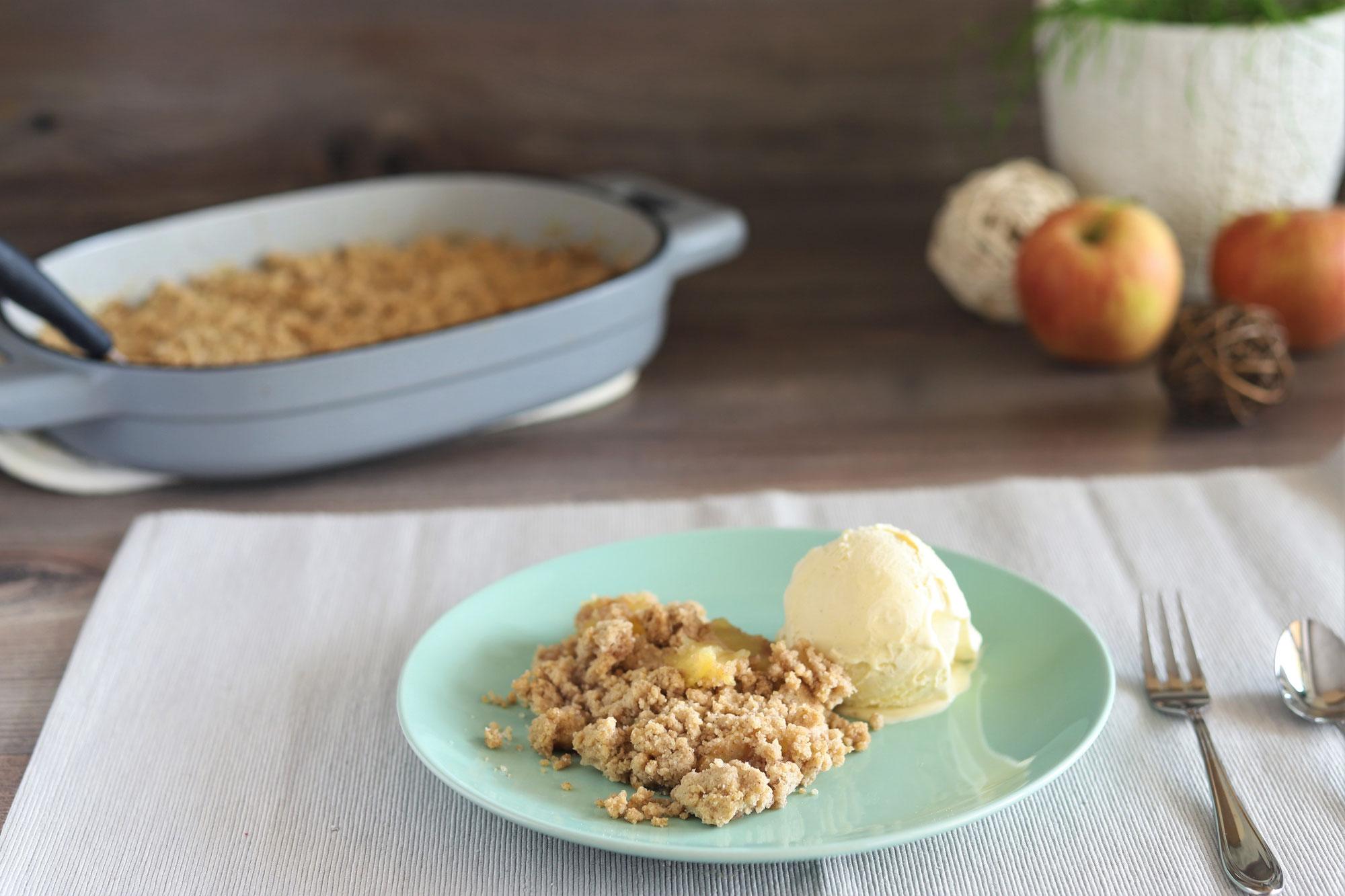 Apfel-Crumble im gusseisernen Baker von Pampered Chef®