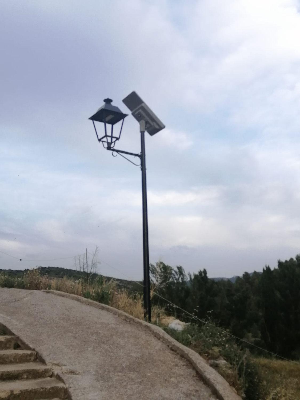 Instalación luminarias solares Palanques