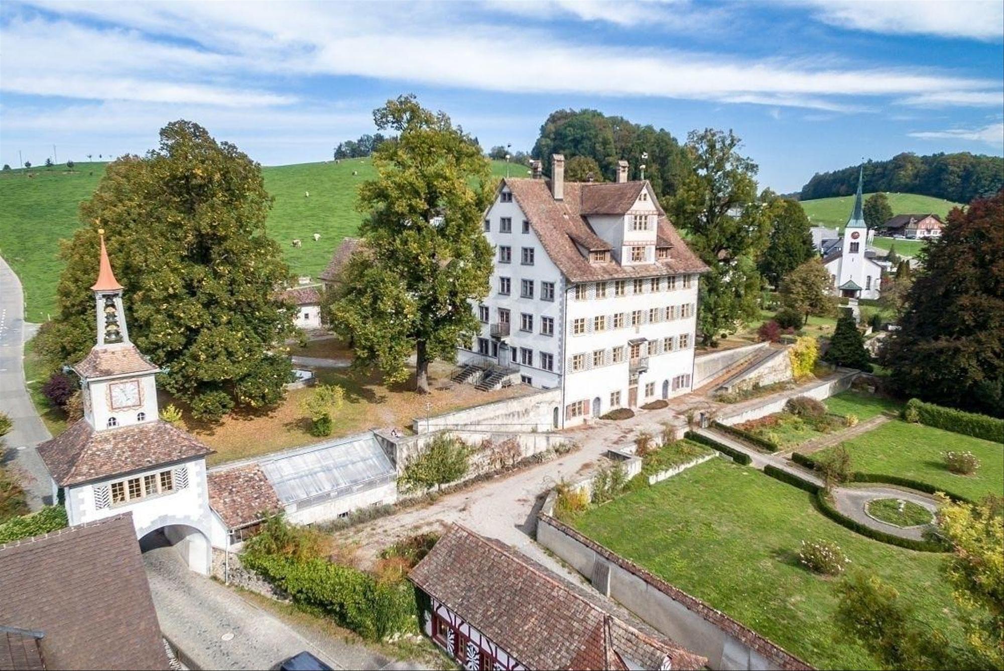 Eine englische Landschaftsarchitektin plant eine schweizer Gartenanlage