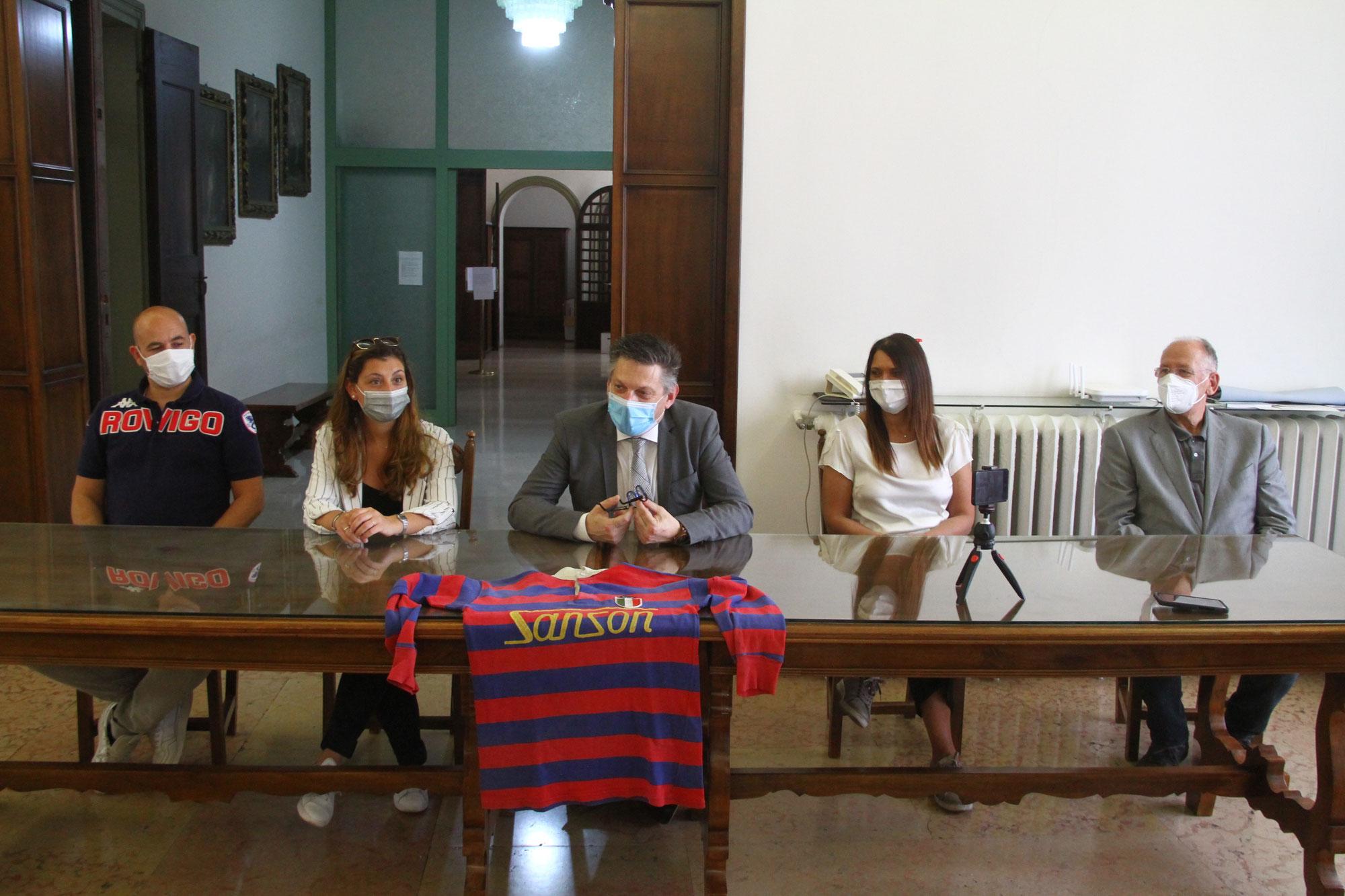 Rugby Rovigo la città festeggia la sua squadra