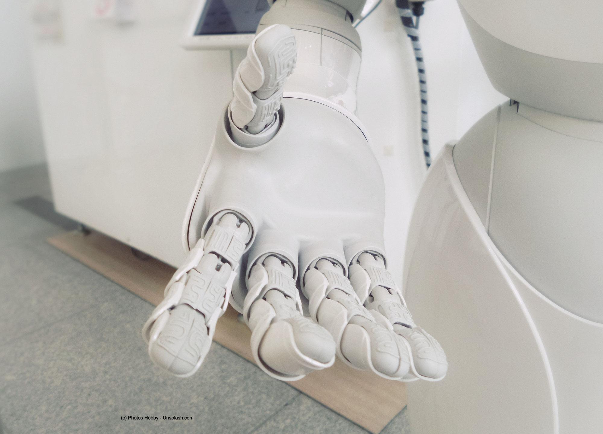 Wer sozalisiert unsere künstliche Intelligenz?