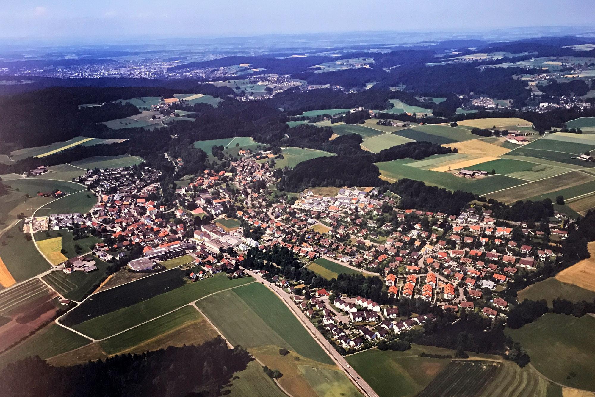 Flugaufnahmen und Ortsansichten von Weisslingen
