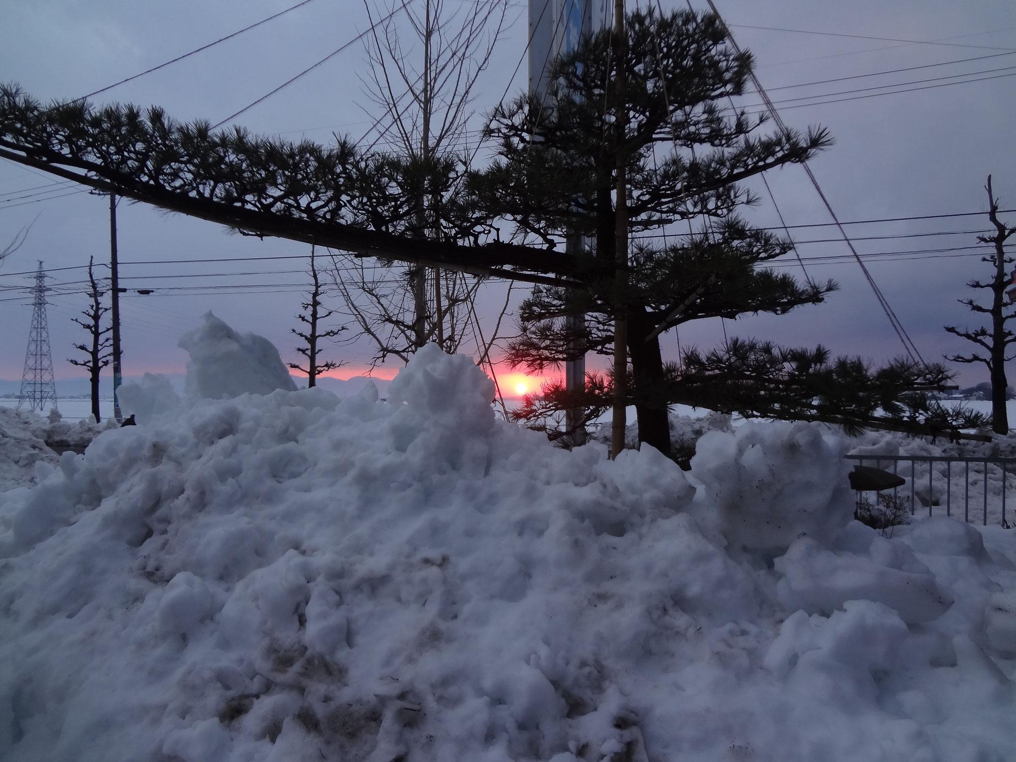 雪かきの途中