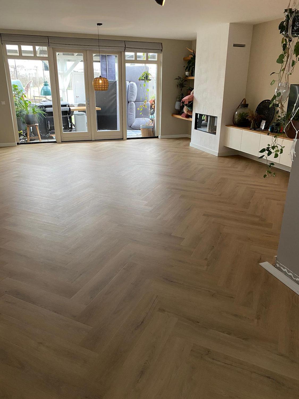 63 m² Deep Wood Visgraat Plak-pvc te Hoek van Holland