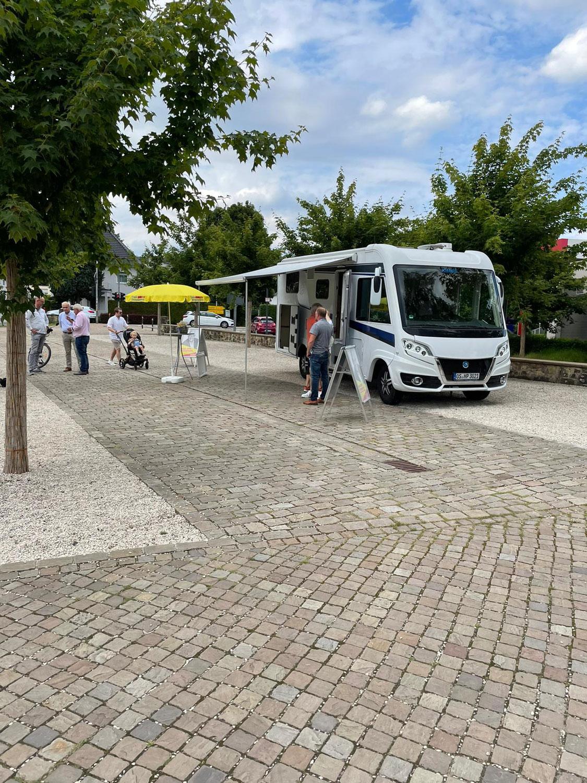 FDP Infostand mit Hans-Otto Petersmann Kneipp-Erlebnis-Park