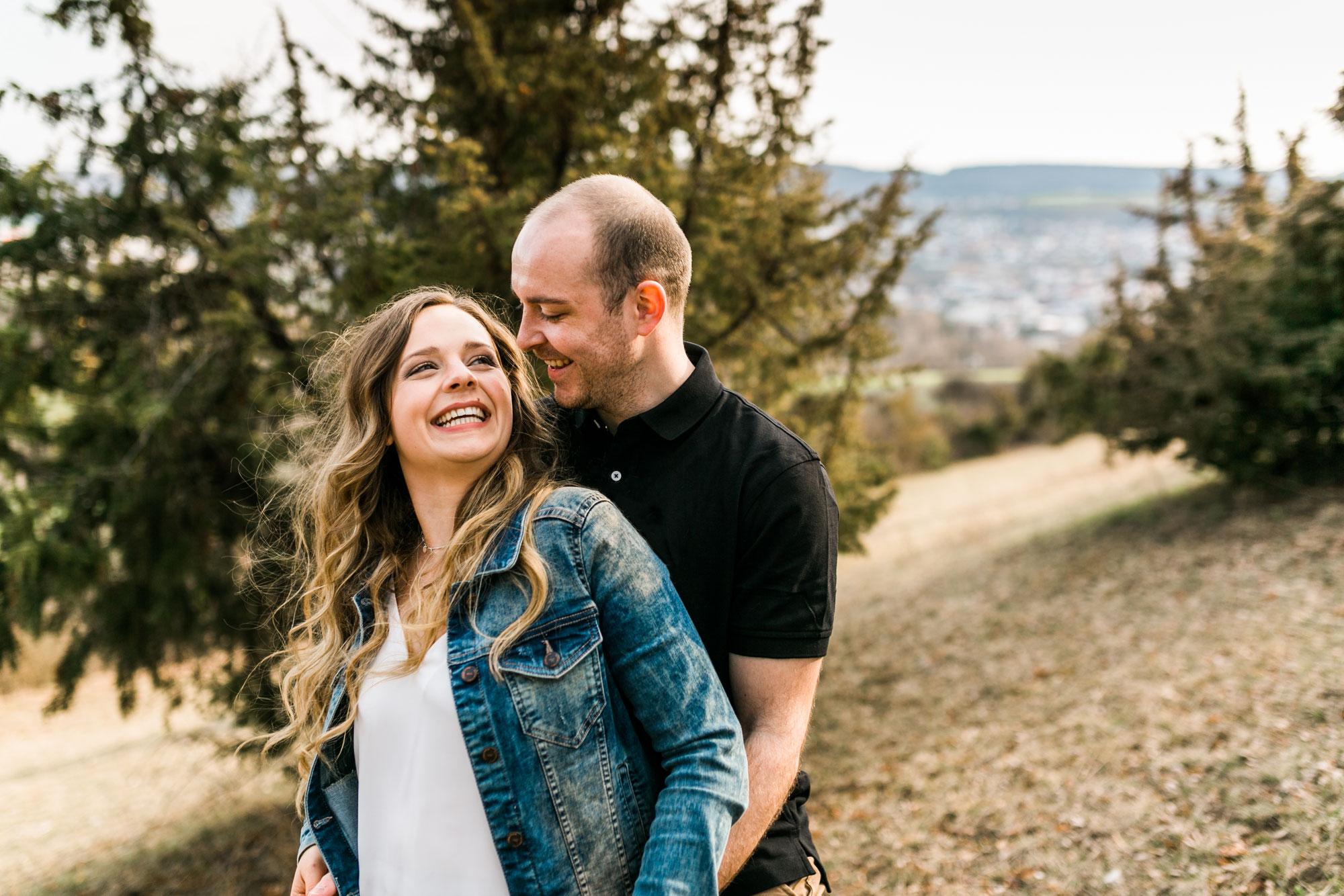 Anna & Manuel: Verlobungsshooting auf dem Ipf in Bopfingen