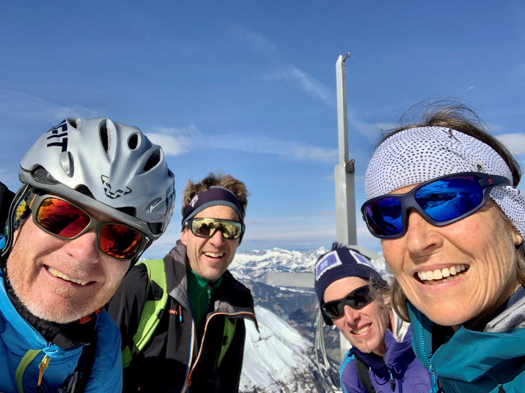 So 11.04.21 - Ski- und Snowboardtour Gsür