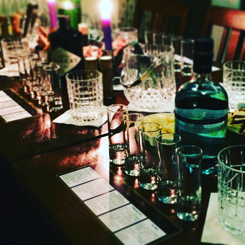 ginfamous gin tasting und seminar in regensburg und. Black Bedroom Furniture Sets. Home Design Ideas