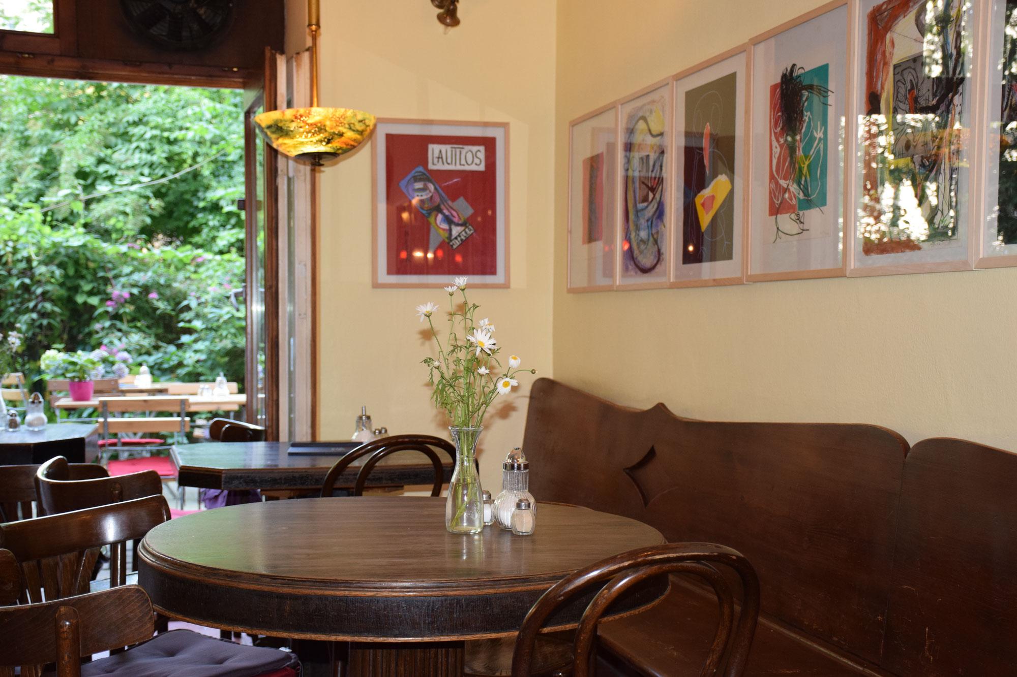 Cafe Im Hinterhof Hinterhofcafes Webseite