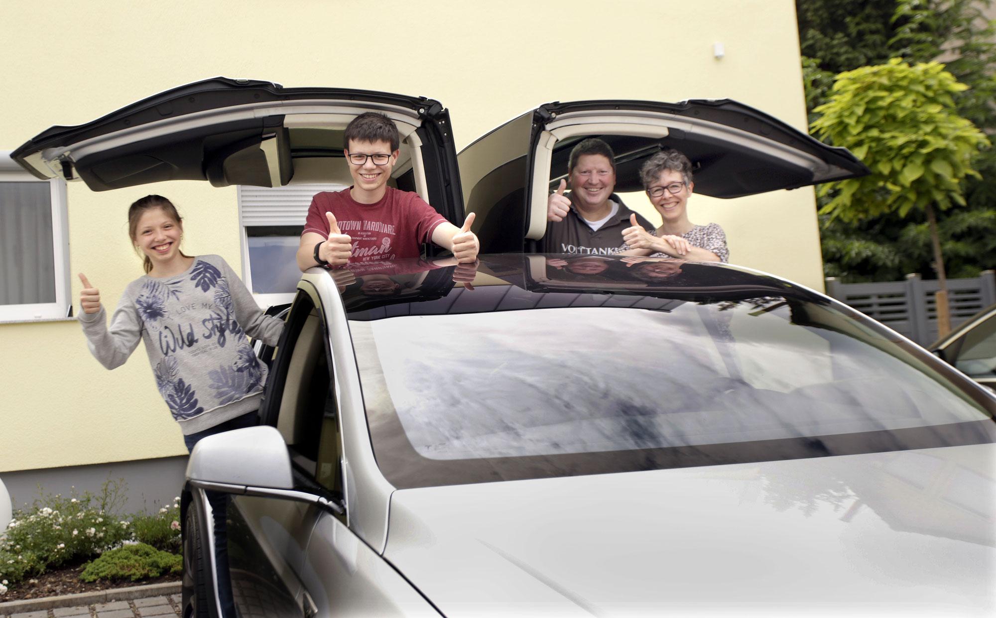 Die verrückte Geschichte, wie ich zur Elektromobilität kam, mit meinen Eltern Autos vermietete und danach Autotester wurde