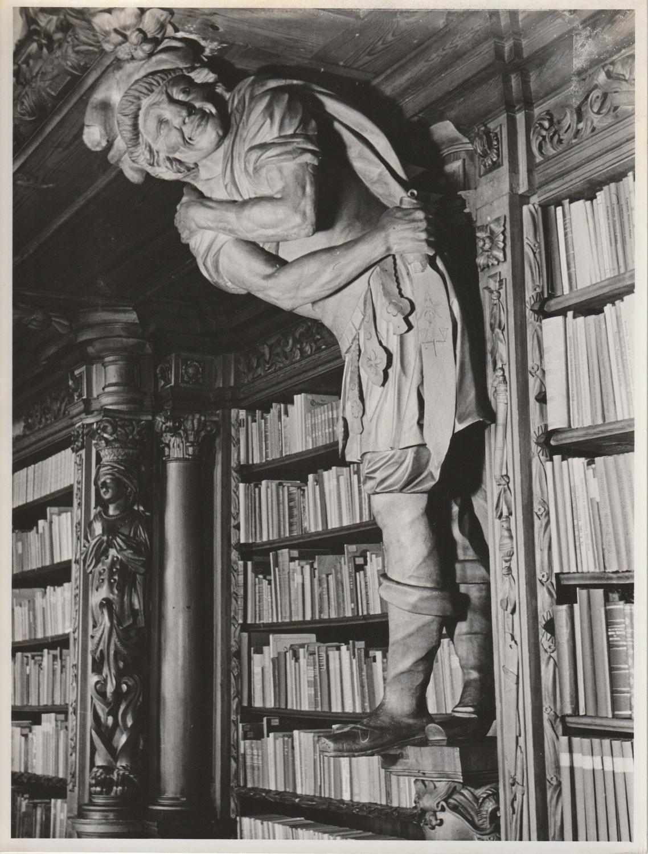 Weitere Waldsassener Bibliotheksfotos im Nachlass von Hildegard Zenker?