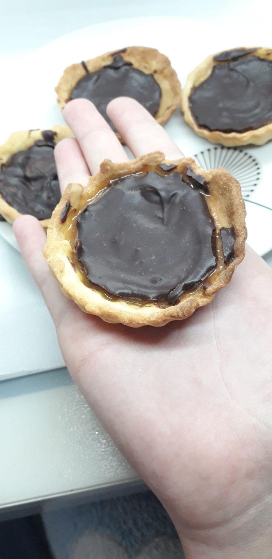 Tartelettes chocolat et caramel beurre salé du Safran de Cotchia
