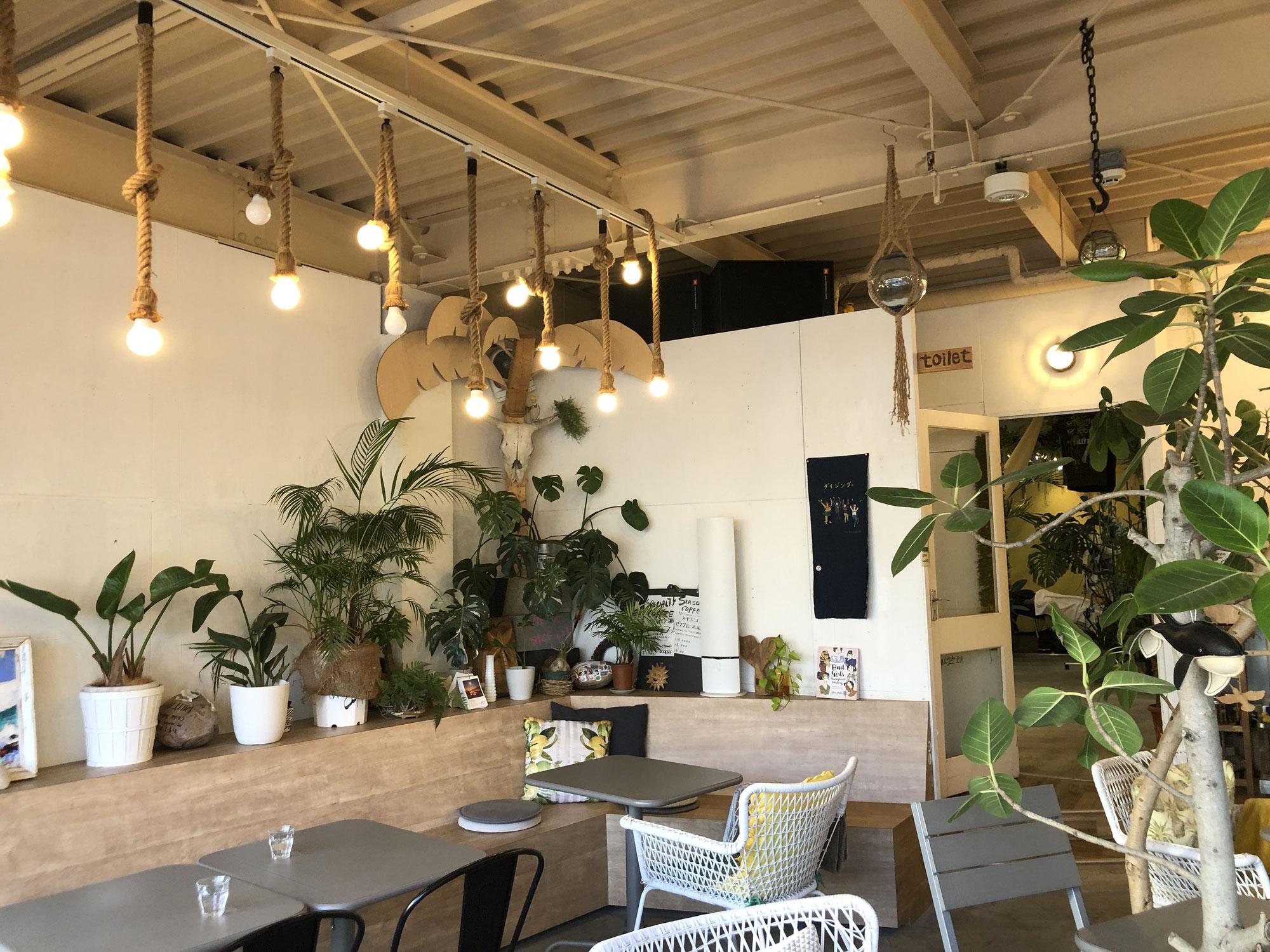 美容室とカフェ併設の「喫茶店ダイジングー 」海外に行かなくてもリゾート気分!