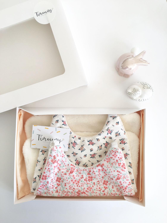 Box bavoirs serviettes personnalisées