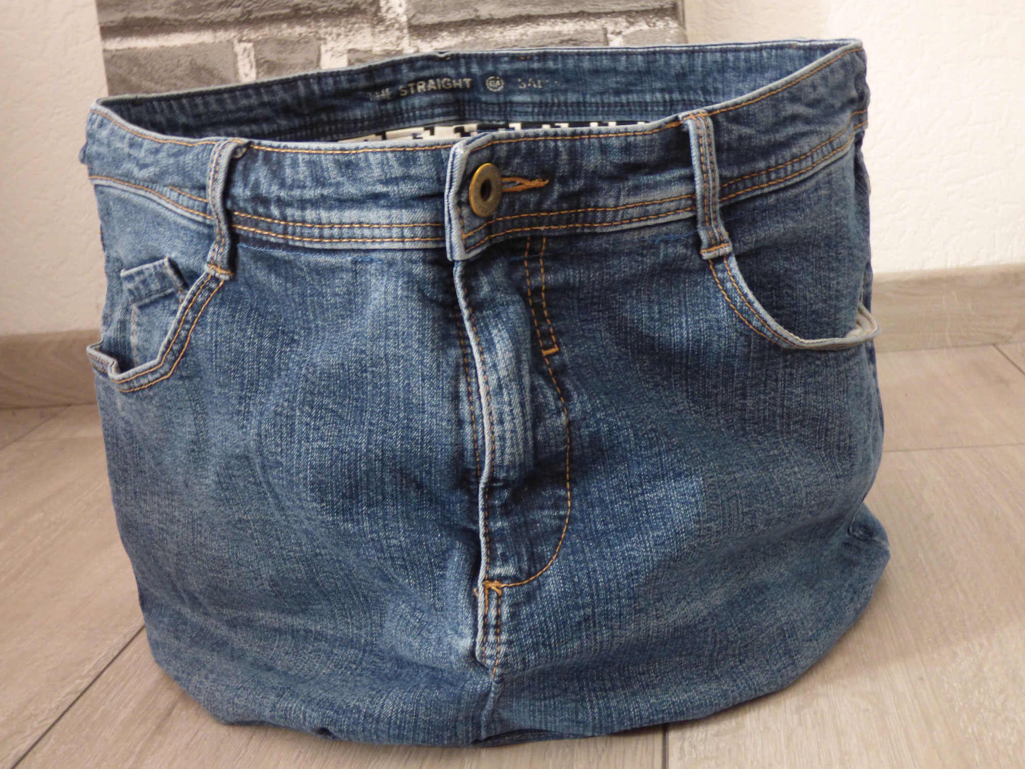 Endlich mal wieder Upcycling: Jeans wird zu Wäschekorb