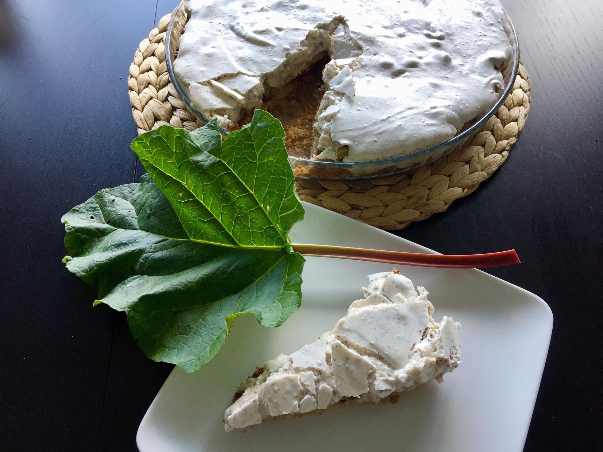 Rezept: Rhabarberkuchen mit Mandelbaiser