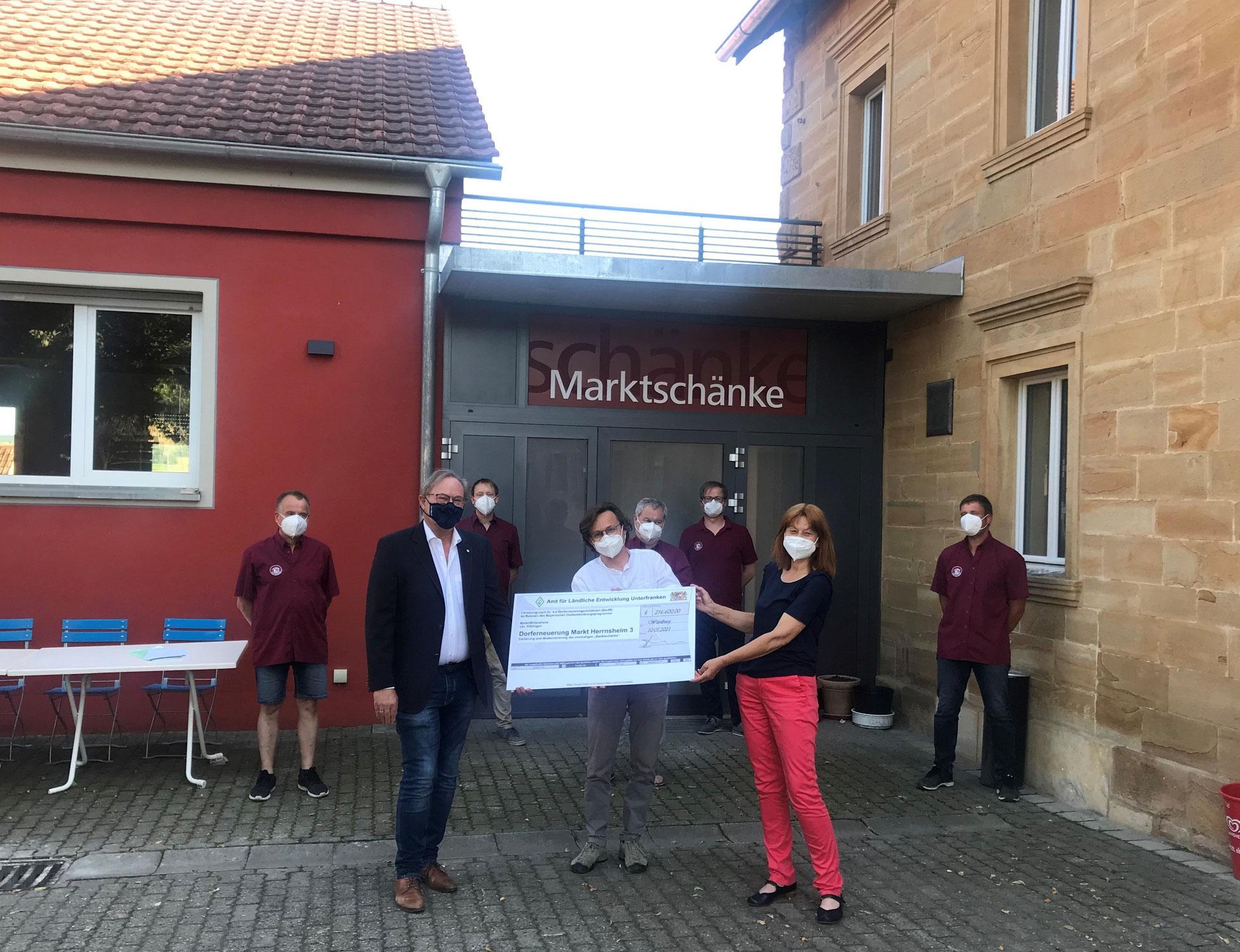Marktschänke Markt Herrnsheim - Scheckübergabe ALE Unterfranken