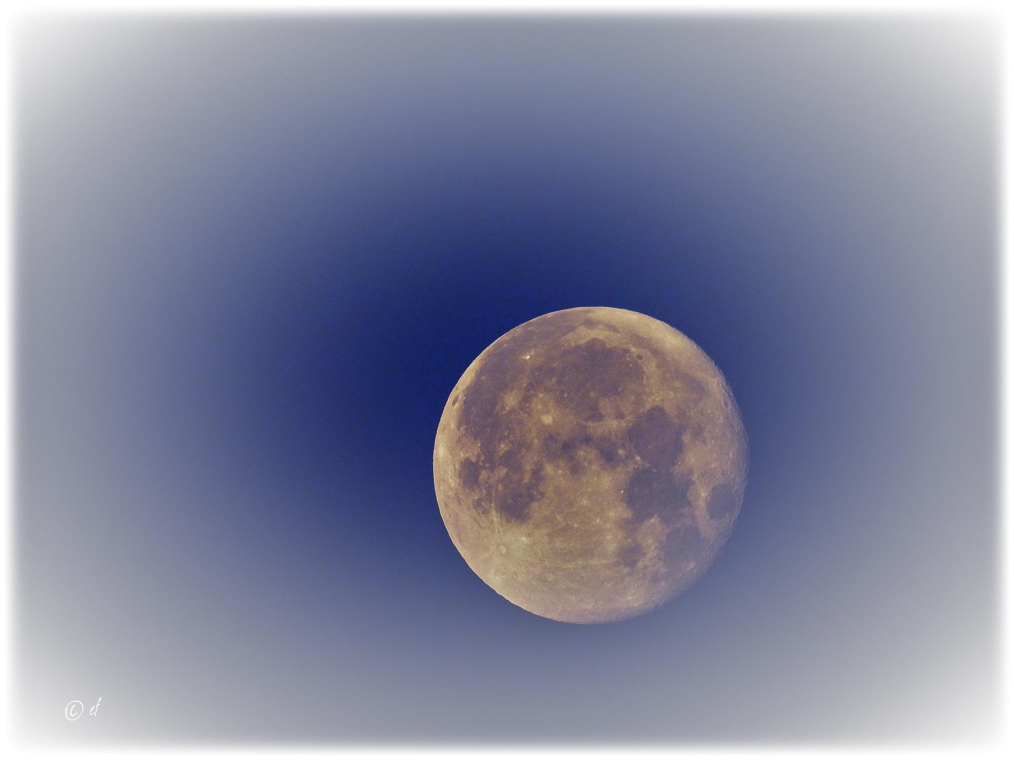 Weitere Bilder vom Mond...