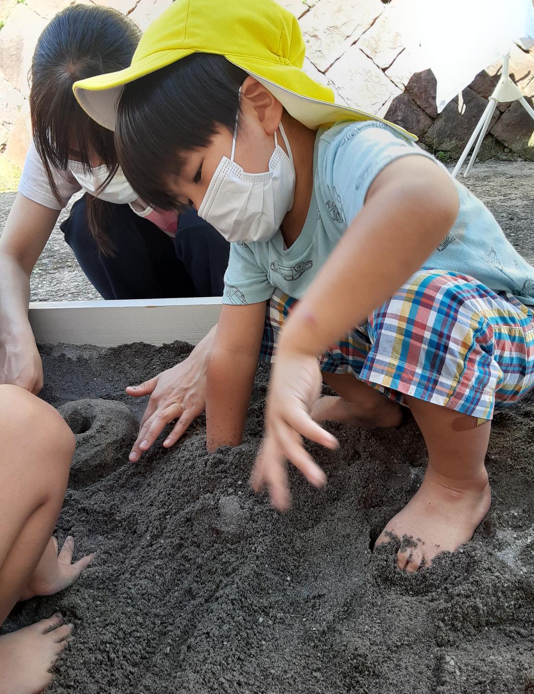 砂場で遊んだよ!