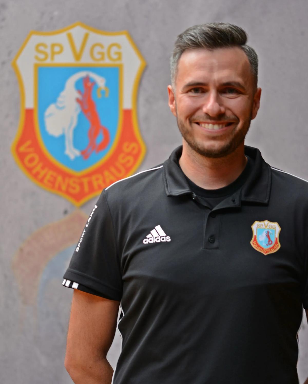 Vertragsverlängerung und Änderung des Trainerteams