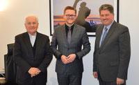 Hintergrundgespräche im Bundestag: Bischof Franjo Komarica, Dr. Wolfgang Stefinger (MdB) und Winfried Gburek.