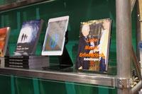 """""""Liebe.Macht.Erfinderisch. - Enthüllungen"""" in den Regalen der Neuerscheinungen beim Verlag epubli, Berlin, auf der Frankfurter Buchmesse."""