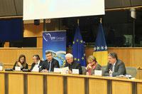 Das Podium zur Buchpräsentation im Europa-Parlament in Brüssel.