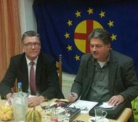 Landesverbandvorsitzender PEU Uwe Grebe und Winfried Gburek beim Vortrag in Gifhorn.