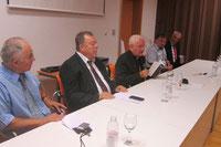 Das Podium zur Buchvorstellung mit Bischof F. Komarica in Split.