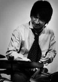 桜木町 横浜ジャム音楽学院 ドラムス科 講師 金井塚 秀洋