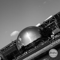 Paris, Géode, ourq, photo noir et blanc, art, street photography, CarCam