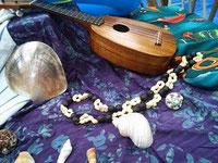 貝殻とウクレレ