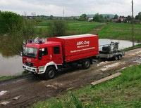 Der Gerätewagen Dekontamination ist in schwierigem Gelände hervorragend als Transport-Lkw geeignet.