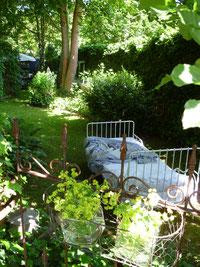 Die Seele baumeln im Bett unterm Blätterdach - Offene Gartenpforte Sternschnuppe home & garden