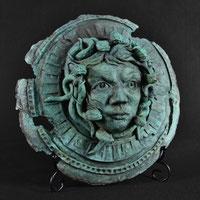 Aigis (Medusa) | bronze | Alexandra Kapogianni-Beth | www.bildhauerwerke-ak.de