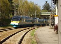 Neigetechnikzug PENDOLINO in Bahnhof Limberg-Maissau