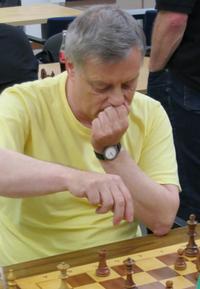 Ulrich Arnolds Partiegewinn bedeutete den Mannschaftssieg für SG Drewer I  (Foto. A. Obdenbusch)