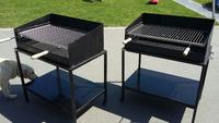 Barbecue met inox-rooster