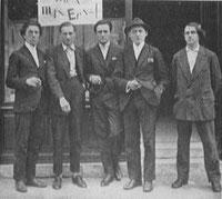 Quelques légendes surréalistes en 1921 : Breton, Soupault, Rigaut, Peret, Charchoune