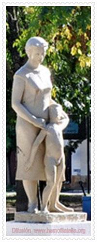 MONUMENTO A LA MADRE, Plaza 25 de Mayo, Ezpeleta. Bs. As. - Argentina.