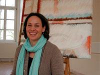 Britta Burmehl hat ihre Malschule in der Alten Schule Pfaffenwiesbach. Foto: Konder