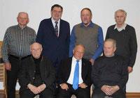 Die geehrten MMC-Mitglieder mit Ruhestandspfarrer Raimund Arnold und Zentralpräses Pater Josef Schwemmer.