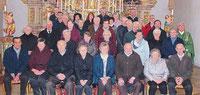 Die Ehejubilare der Pfarrei Ast mit Stadtpfarrer Häupl und Ruhestandspfarrer Arnold.