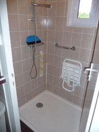 douche extra plate avec siège relevable