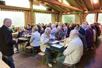 """Die Vorstandschaft freut sich über """"volles Haus"""" (Alle Fotos: Claus Fries)"""