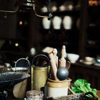 Unser Shop mit Küchengeräten, Pfannen, Messer, Töpfe