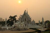 Das Highlight Ihrer Nordthailand Rundreise ist der Weisse Tempel von Chiang Rai.