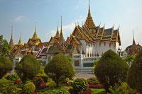 Ein Highlight jeder Rundreise in Thailand ist der Wat Phra Kaew in Bangkok.