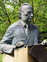 Karl Jaspers; Büste von Christa Baumgärtel (Bildquelle: Wikipedia)
