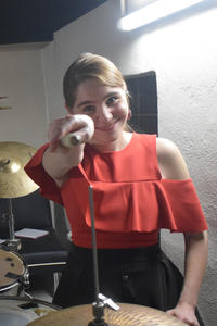 Musik einzählen Schlagzeugerin